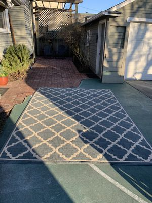 Area rug 8x10 (like new) for Sale in Fife, WA