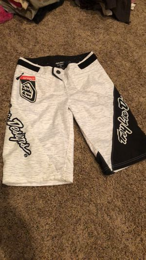 Brand New with tags Troylee Design Sprint bicycle short size 28 for Sale in Murrieta, CA