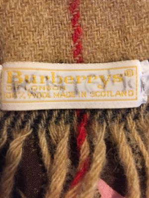Burberrys scarf for Sale in Florence, KY