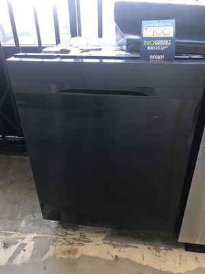 NEW SAMSUNG BLACK STAINLESS STEEL DISHWASHER for Sale in San Bernardino, CA