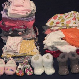 Newborn-12 Months Baby Clothes/shoes/toys/swing&jumper/ Baby Carrier/ Baby Bather for Sale in Auburn, WA