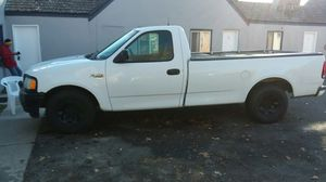 98 F250 2 wheel drive 5.4 180 hundred eighty-one thousand miles for Sale in Elberta, UT