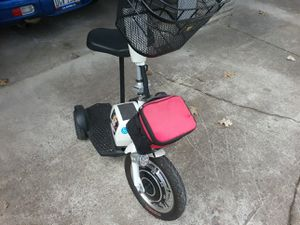 Adult compact battery powered tricycle for Sale in Mount Gilead, OH