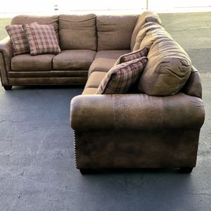 Leather and twead sectional for Sale in Los Angeles, CA