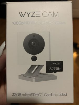 Wyze camera with 32 sd card for Sale in Hesperia, CA