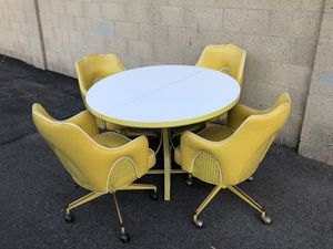 Vintage yellow Watertown dinette/game table 4 chairs for Sale in Orange, CA