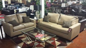 Beautiful sofa & love seat for Sale in Chicago, IL