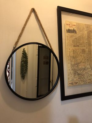 Round Wall mirror for Sale in Jersey City, NJ