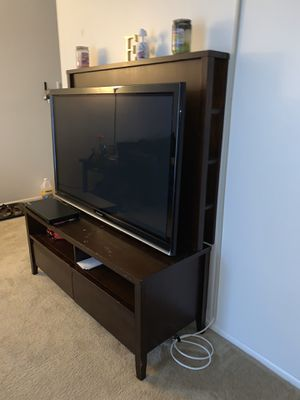 50 inch tv and stand for Sale in Upper Marlboro, MD