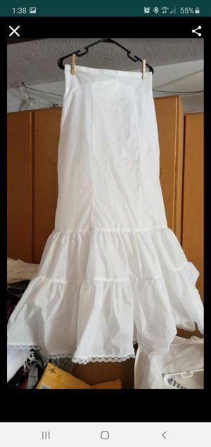 Size 14 wedding dress crinoline for Sale in St. Petersburg, FL