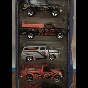 Hot Wheels 2000 Harley-Davidson 5 Car Gift Pack 50030 NIB Collectible for Sale in Anaheim, CA