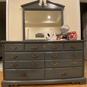 Antique Dresser With Mirror for Sale in Washington, DC