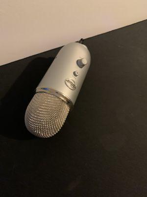 Blue yeti mic for Sale in Waterbury, CT