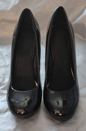 {Size 6} High heel Shiny Black Round Toe Shoes for Sale in TN OF TONA, NY