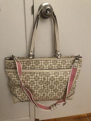 Coach handbag for Sale in New York, NY