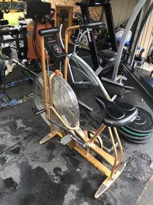 CrossFit dual action Schwinn airdyne exercise bike. Air dyne assault echo rogue xebex for Sale in Federal Way, WA