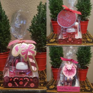 3 Gift Sets Bath & Body Works for Sale in Downey, CA