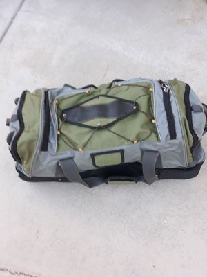 """Ricardo Beverly Hills 30"""" Rolling Duffle bag for Sale in Victorville, CA"""