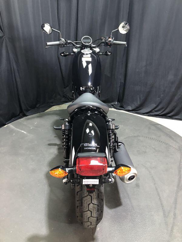 2019 Honda rebel 300 like new starter bike