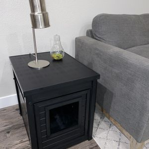 Multi-purpose end table and litter box cover. for Sale in Mountain View, CA