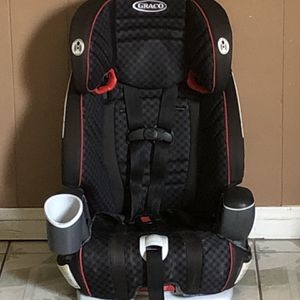 LIKE NEW GRACO NAUTILUS CONVERTIBLE CAR SEAT 3 In 1 for Sale in Riverside, CA