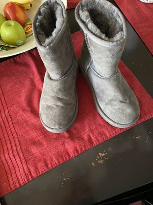 Uggs size 1y worn 3times LITERALLY! $60 for Sale in Las Vegas, NV