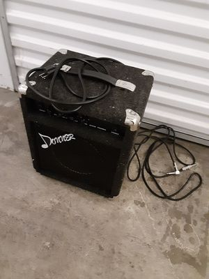 Donner 15W Bass Guitar AMP for Sale in Dallas, TX