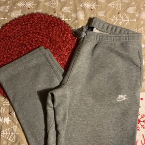 Grey Nike Sweatpants for Sale in Racine, WI