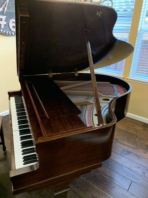 Free kimball baby grand 1930 vintage for Sale in Gilroy, CA