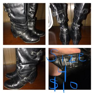 Girls size 4 boots for Sale in Fayetteville, NC