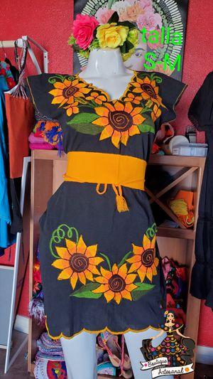 Vestidos bordados mexicanos for Sale in Phoenix, AZ