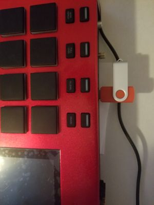 NEW 64GB FLASH DRIVE FULL OF SAMPLES+AKAI EXPANSION PACKS/METRO BOOMIN/ZAYTOVEN for Sale in Gallatin, TN
