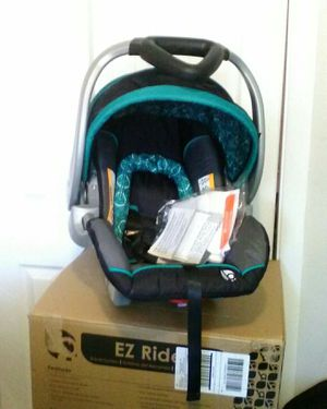 Baby Trend Flex-Loc Infant Car Seat (*Brand New*) for Sale in Everett, MA