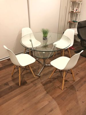 Modern Glass Dining Table Set for Sale in Los Angeles, CA