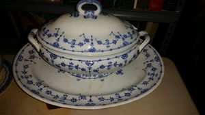 que blue and white china large server and matching plate for Sale in Grosse Pointe Park, MI