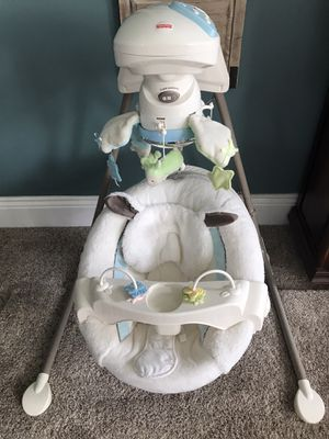 Baby swing Fisher Price for Sale in Sykesville, MD
