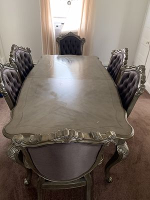 I luxurious dining room to which lead and six dining room chairs in very good condition for Sale in Spring Lake, NJ