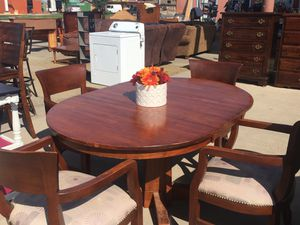 Dining table with 4chairs for Sale in Orosi, CA