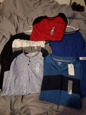 Large OLD NAVY lot (4 long sleeve 1 t shirt) for Sale in Brockton, MA