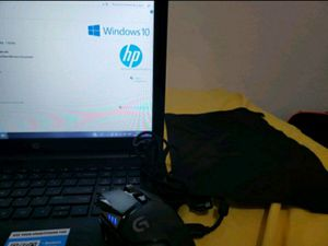 LAPTOP HP 15.6'' and Mouse G502 Logitech for Sale in Fort Lauderdale, FL