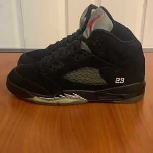 "Air Jordan Retro 5 ""Metallic"" Size 6y for Sale in Murfreesboro, TN"