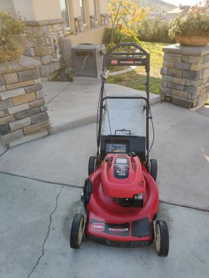 TORO SELF PROPELLED LAWNMOWER 6.5 HP IN GOOD WORKING CONDITIONS for Sale in Riverside, CA