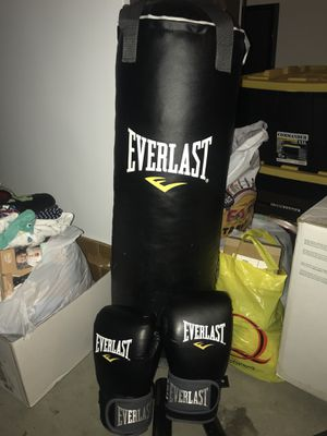 Punching bag for Sale in Murrieta, CA