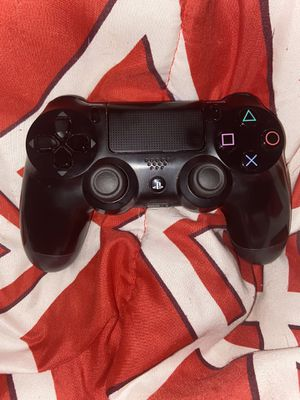 Black & Gold PS4 Controllers for Sale in Clayton, NC