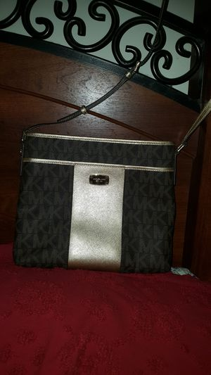 New Michael Kors Messenger Bag - New without tag for Sale in Baltimore, MD