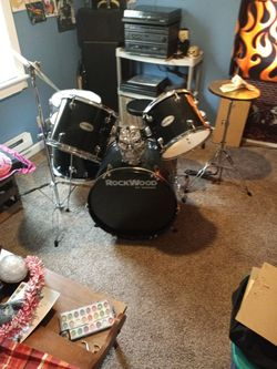 Rockwood 5piece Drumset for Sale in Lorain,  OH