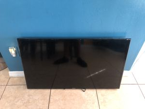 Samsung smart tv 36 inch for Sale in Cape Coral, FL
