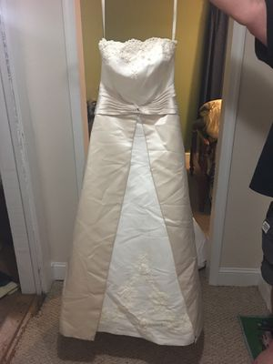 Stunning Wedding Dress*****REDUCED***** for Sale in Elon, NC