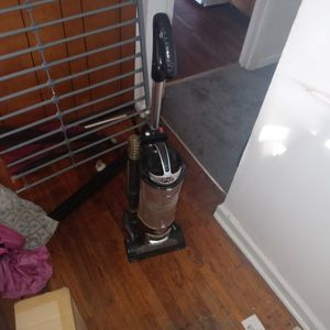 Shark Vacuum Cleaner for Sale in Raleigh, NC