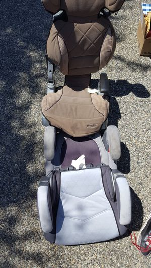 Booster and car seats for Sale in Snohomish, WA